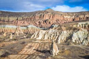 stenigt landskap av rosedalen i Kappadokien foto