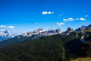 toppar av dolomiterna i Cortina d'ampezzo i Belluno, Veneto, Italien foto