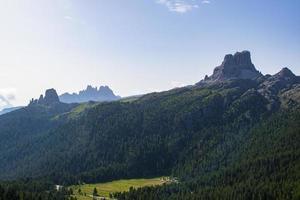 toppen av berget averau foto