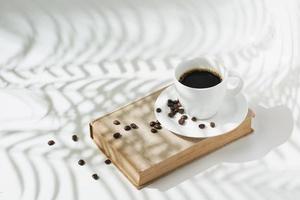 varmt svart kaffe foto