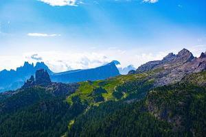 dolomiterna nära Cortina d'Ampezzo, Italien foto