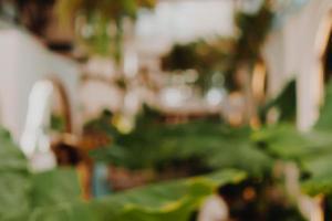 oskärpa kaffe och restutant café med kundbakgrund foto