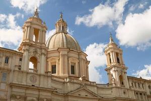 santagnese i förflutna kyrkan på Piazza Navona i Rom Italien foto
