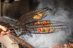 välsmakande stekt rökt vegetabilisk potatis foto