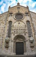 yttre utsikt över Como-katedralen foto