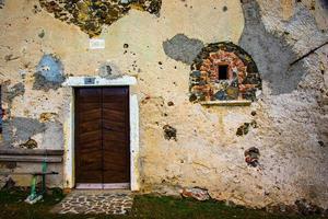 dörr med modifierat fönster foto