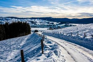 väg i snön foto