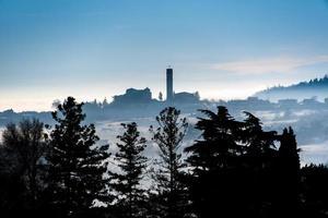 klocktorn på kullen foto