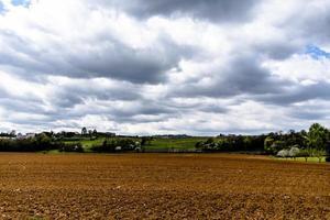 202144 montemezzofields och moln foto
