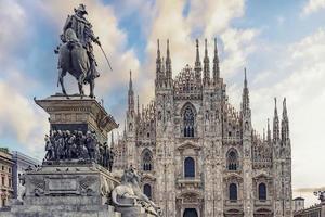 arkitekturen i katedralen i Milano foto