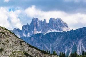 utsikt över dolomitbergen foto