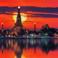wat arun tempel i bangkok thailand foto