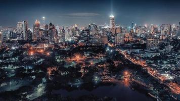 bangkok centrum på natten foto