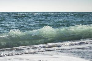 havsbränning sommar och strand foto