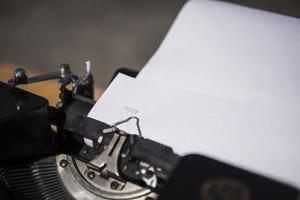 skrivmaskin skriva glad foto