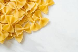 torr okokt farfalle pasta foto