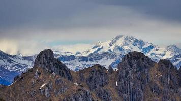 Monte-skam i de västra alperna i Rhaith i Italien foto