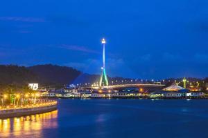 sungai kebun bridge i bandar seri begawan brunei foto