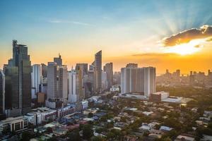 Makati skyline i Manila, Filippinerna foto