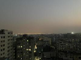 stadsbild nattljus foto