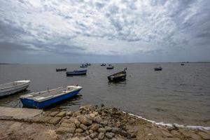 2021 05 29 marsalabåtar som väntar 2 foto