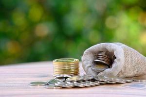 spara pengar koncept och finansiella och investeringar tillväxt affärer foto