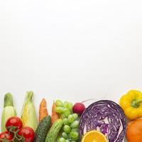 grönsaker och frukter med kopieringsutrymme foto