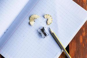 anteckningsbok och penna, begreppet utbildning foto