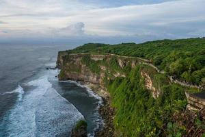 Uluwatu tempelområdet i Bali foto