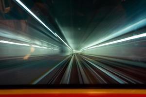 transportain tåget mellan klia1 och klia2 flygplats foto