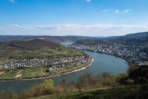 staden Boppard vid det tyska Rhenområdet foto