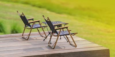 trädgårdsmöbler bärbar lägerstol foto