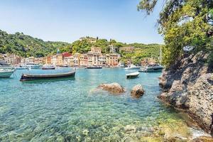 portofino by på den italienska Rivieran foto