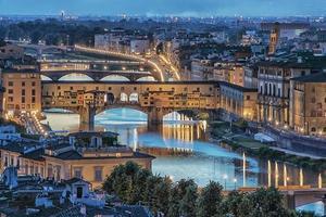 Ponte Vecchio Bridge i Florens, Italien foto