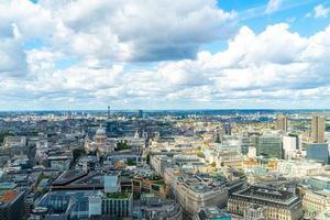 Flygfoto London City med Themsen foto