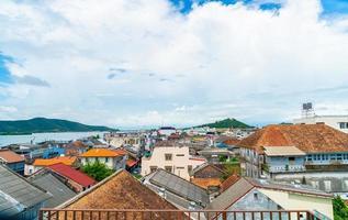 Songkla stadsutsikt med vik i Thailand foto