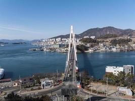 dolsan bridge. yeosu stad. Sydkorea. januari 2018 foto