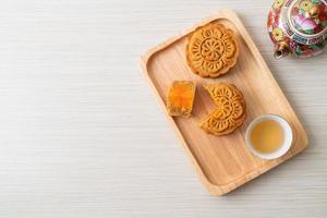 kinesisk månekaka durian och äggula smak foto