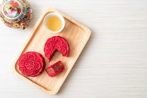 kinesisk månekaka jordgubbar röd bönsmak foto