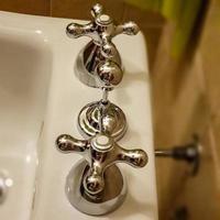 de sanitära kranarna foto
