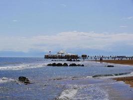restaurang på vatten vid Antalya stad, Turkiet foto