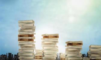 uppdelning av böcker och utbildningsmallar för utvecklingen av utbildningsvärlden foto