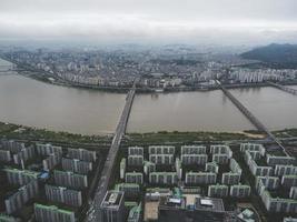 den vackra utsikten till Seoul och Han-Gang-floden från luften. Sydkorea foto