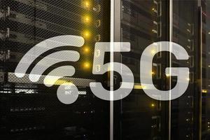 5g snabbt trådlöst internetanslutning kommunikation mobilt teknologikoncept. foto