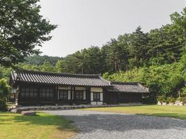 hus i en traditionell by, Sydkorea foto