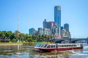 kryssning på yarra river i melbourne, australien foto