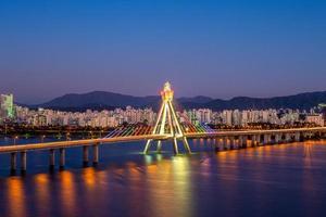 nattsikt över Seoul, Sydkorea foto