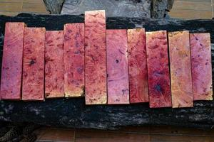 natur rosa burl trä randig foto