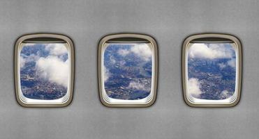 flygplansfönster, flygkoncept foto