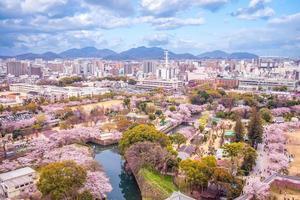 stadsbilden av himeji stad på hyogo i japan foto